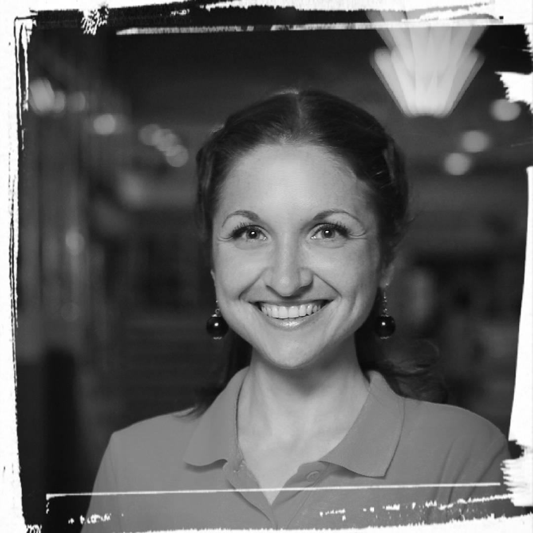 Автор и ведущая курса - Ольга Турова