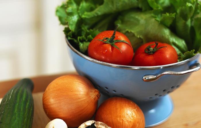 Насколько полезна консервация овощей и фруктов?