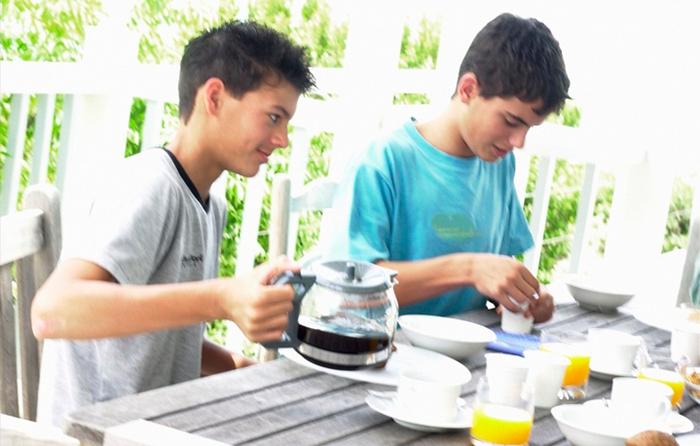 Как обеспечить правильное питание ребенку в школе?