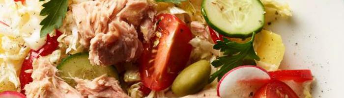 Средиземноморский салат с тунцом. Рецепт. Красота и Баланс